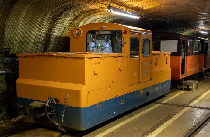 蓄電池機関車